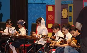 موسیقی در کلاس های خلاقیت و رشد کودک در باغ آینه