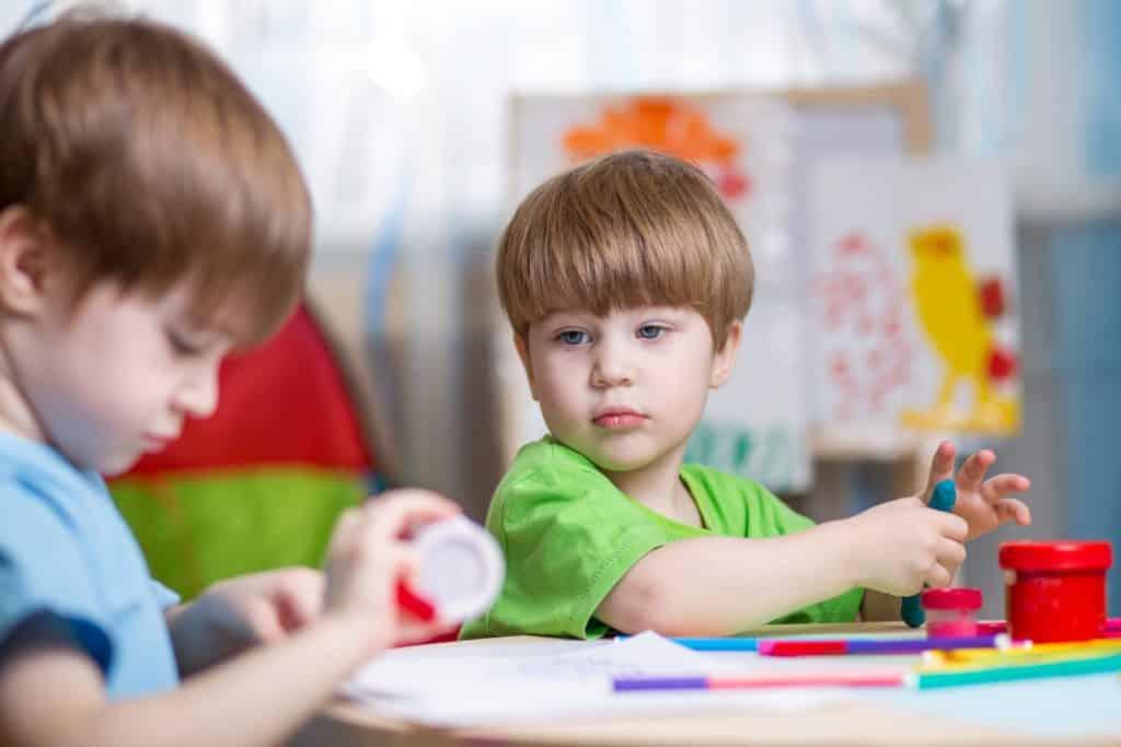 کودک و محیط اجتماعی در کارگاه مادر و کودک