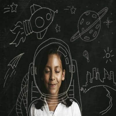 چگونه تخیل را در کودکان توسعه دهیم
